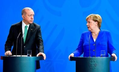 Almanya Başbakanı Angela Merkel: AB liderleri Türkiye'ye göç anlaşması için 3 milyar Euro verecek