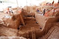 TEL AVIV - Israil'de Yeni Bir Antik Insan Türü Bulundu