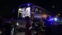 YOLCU OTOBÜSÜ - Aksaray'da Otobüs Ile Minibüs Çarpisti Açiklamasi 12 Yarali