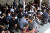 KAÇAK GÖÇMEN - Fethiye'de 120 Kaçak Göçmen Tekneye Biner Binmez Yakalandi