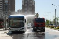 YOLCU OTOBÜSÜ - Izmir'de Elektrikli Otobüs Alev Alev Yandi