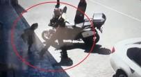 TRAFİK POLİSİ - Polisin Ayagina Basan Kiz Çocugunun Ilginç Görüntüsü Kamerada