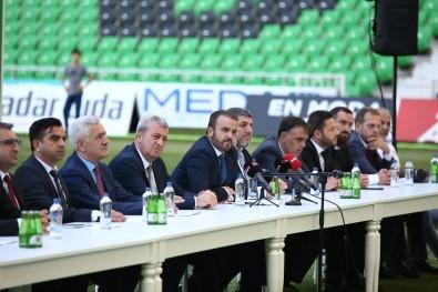 Sakaryaspor, Transfer Ettigi Futbolcularla Sözlesmeleri Imzaladi
