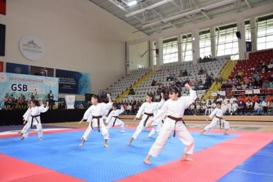 Afyonkarahisar'da Ücretsiz Spor Okullari Açildi