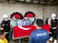 TRAFİK POLİSİ - Evinde Ölü Bulunan Polis Memuru Topraga Verildi