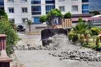 VERGİ DAİRESİ - Söke Belediyesi'nin Yol Yenileme Çalismalari Hiz Kesmiyor