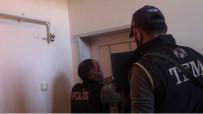 KARA PARA - Terör Örgütü Üyelerine 'Hawala' Yöntemi Ile Para Aktaran 2 Sahsi Polis Yakaladi