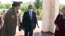SÜLEYMAN DEMİREL - Bakan Akar, Kirgizistan Cumhurbaskani Caparov Ile Görüstü