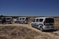 KAÇAK GÖÇMEN - Göçmenler Otobüsten Inip Kaçti Polis Ve Jandarma Kovaladi