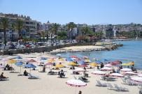 TURİST - Yerli Ve Yabanci Turistlerin Tercihi Kusadasi Oldu