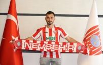 KEÇİÖRENGÜCÜ - Yildiray Koçak, Nevsehir Belediyespor Formasi Giyecek