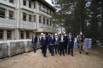 YUNUS AKGÜL - Bakan Kasapoglu, Sampiyon Kastamonu Belediyespor'u Kutladi
