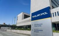 SİLAH TİCARETİ - Europol'den Küresel Operasyon Açiklamasi Açiklamasi '800 Kisi Gözaltina Alindi'