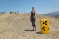 ÇERNOBİL - Izmir'deki Nükleer Atik Eylemine Ukraynali Turistten Destek
