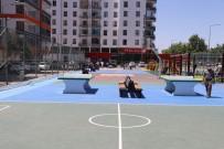 MINYATÜR - Kayapinar Belediyesi'nden Çocuk Oyun Sokagi