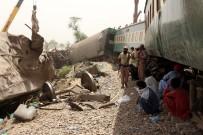 YOLCU TRENİ - Pakistan'daki Tren Kazasinda Ölü Sayisi 36'Ya Yükseldi