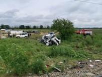 YOLCU TRENİ - Rusya'da Kirmizi Isiga Aldirmayan Cipi Tren Biçti Açiklamasi 2 Ölü