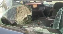 VOLKSWAGEN - Taciz Iddiasinda Bulunulan Sürücü Çocuga Çarpti