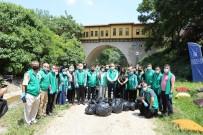 DÜNYA ÇEVRE GÜNÜ - Baskan Aktas Dünya Çevre Gününde Çöp Topladi