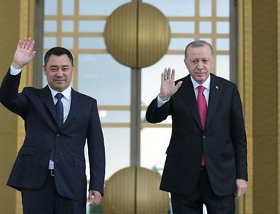 Başkan Erdoğan Kırgızistan Cumhurbaşkanı ile ortak açıklamalarda bulundu!