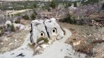 GÜNEYYURT - Hitit Dönemine Ait 5 Bin Yillik Anit Mezar Ziyaretçilerini Bekliyor