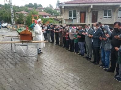 Yozgat'ta Yildirim Isabet Eden Çocuk Hayatini Kaybetti