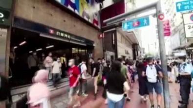 Hong Kong'un Çin'e Birakilmasinin Yil Dönümünde Geleneksel Protestolara Yasak