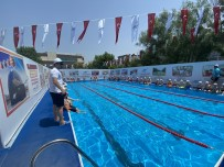 SULTANGAZİ BELEDİYESİ - Sultangazi'de Çocuklar Yüzme Havuzlarinda Yazin Tadini Çikartiyor