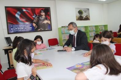 Tosya Kaymakami Çocuklarla Kitap Okudu