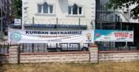 KÜÇÜKÇEKMECE'DE BAYRAM PANKARTI - İş bilmezlikte kimse CHP'nin eline su dökemiyor! CHP'li Küçükçekmece Belediyesi'nden skandal...