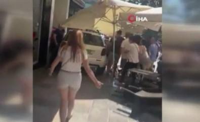 Ispanya'da Bir Araç Kafeye Daldi Açiklamasi 9 Yarali