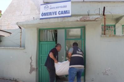 Kahta Belediyesi Camilere Kurbanlik Atik Poseti Dagitti