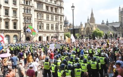 Londra'da Asi Karsitlarindan Protesto Açiklamasi 11 Gözalti