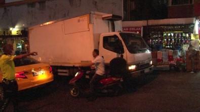 Maltepe'de Freni Bosalan Kamyon Araçlara Çarpti Açiklamasi 2 Yarali