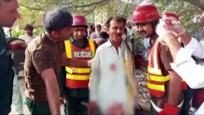 Pakistan'daki Otobüs Kazasinda Ölü Sayisi 33'E Yükseldi
