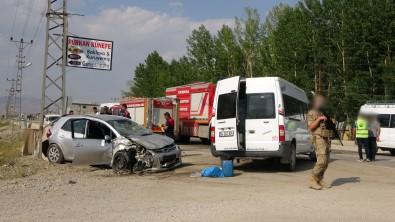 Yüksekova'da Trafik Kazasi Açiklamasi 9 Yarali