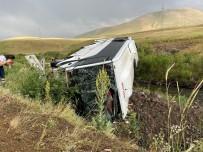 YOLCU OTOBÜSÜ - Agri'da Yolcu Otobüsü Devrildi Açiklamasi 27 Yarali