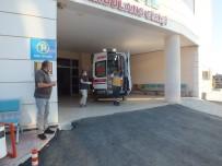 SİVİL POLİS - Amasya'da 2 Kisi Arasinda Çikan Tartisma Kanli Bitti Açiklamasi 1'I Polis 2 Kisi Yaralandi