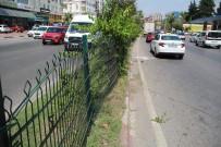 ADNAN MENDERES - Antalya'da Motosiklet Kazasi Açiklamasi 1 Ölü, 1 Yarali