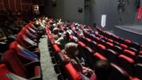 TİYATRO - Diyarbakir'da Saglik Çalisanlari Sorunlarini Tiyatro Yoluyla Anlatti