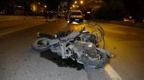 AVUSTURYA - Kontrolden Çikan Otomobil Trafik Polisi Ve Motosiklete Çarpti Açiklamasi 2 Ölü, 1 Polis Yarali