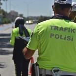 ARAÇ KULLANMAK - Konya'da 3 Bin 989 Sürücüye Ceza, 100 Araç Trafikten Men Edildi