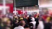 GREV - Paris'te Greve Giden Havalimani Çalisanlari Terminal Kapatti