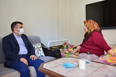 Baskan Yilmaz'dan Münevver Teyze'ye Bayram Ziyareti