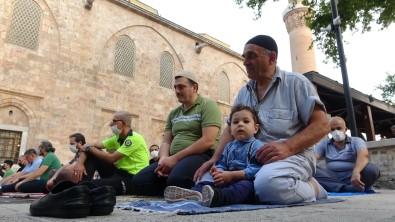Bursa'da Tarihi Camiler Doldu Tasti