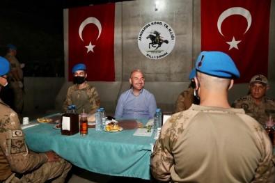 Cumhurbaskani Erdogan, Sehit Jandarma Uzman Çavus Tuncay Arslan Üs Bölgesi'ndeki Askerin Bayramini Kutladi