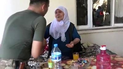 Mehmetçik'ten Meryem Nineye Bayram Ziyareti