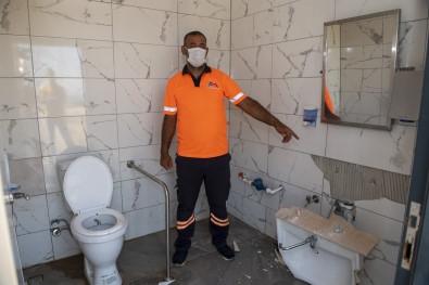 Mersin'de Engelli Tuvaletine Zarar Verildi