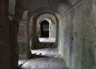(ÖZEL) 15 Asirlik Kaya Manastiri