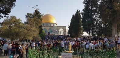 Yüz Binlerce Müslüman, Bayram Namazini Mescid-I Aksa'da Kildi